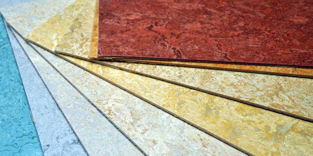 Auswahl von farbigen Linoleumbelägen