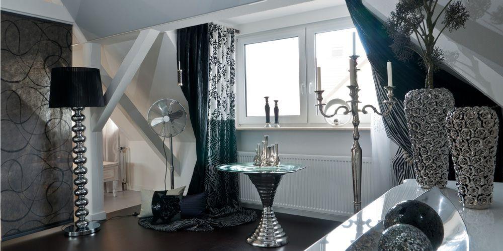 Barock Und Gleichzeitig Modern In Silber, Schwarz Und Weiß